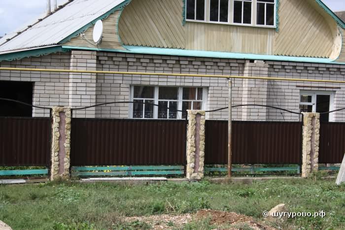 Ворота в деревне Шугурово Лениногорский район