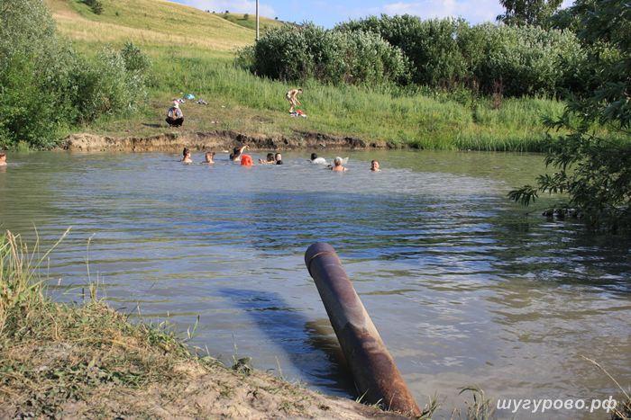 озеро в шугурах